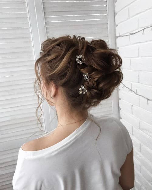 WEDLOCK PIN UP HAIRSTYLE