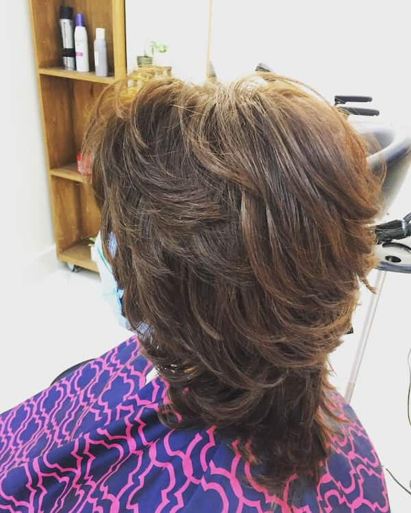 Thick Layered Shoulder Lenght Haircut